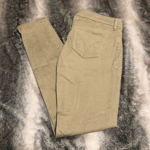 Tan Hollister skinny jeans